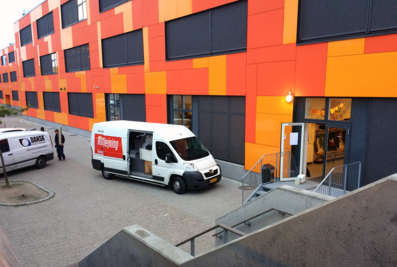 Skadeservice igang med rengøringen efter branden. Foto. Mikkel Bering - 112news.dk