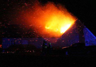 hund mister livet i voldsom brand i en landejendom nær Slagelse, arkiv, ild, villa, flammer, 112, krimi