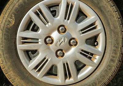 Løse bolte, løsnede hjulbolte, løse hjulbolte, hjul, bolte, trend, farlig