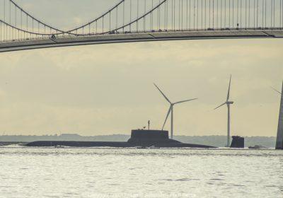 Verdens største atomubåd sejler gennem Storebælt. Submarine.