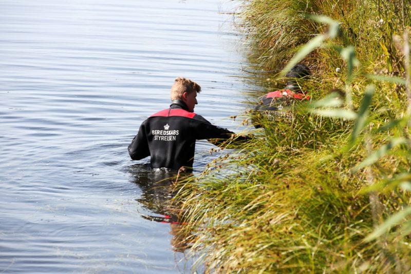 ligdel fundet i vandet ved den svenske kyst.