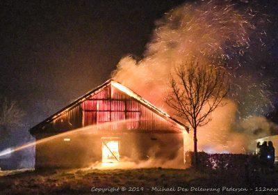 Voldsom brand i staldbygning på Skørpingevej i Skørpinge ved Slagelse