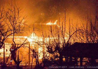Voldsom brand i kolonihavehus på Julianestien i Korsør