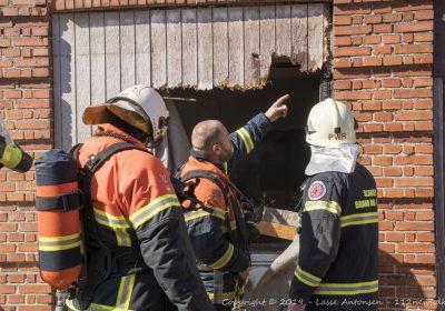 Ukrudtbrænder startede brand i mindre lager
