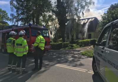 Person fundet død ved mystisk brand i landejendom