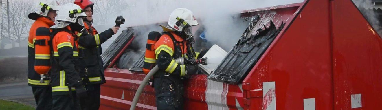 Brand i affaldscontainer på Skolevej i Vemmelev