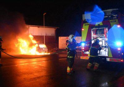 Brand i stjålet bil på Skolevej i Vemmelev
