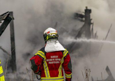 Brand i lade ved forladt gård nær Sorø