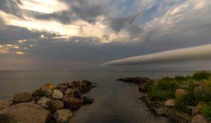 Timelapse af kraftig tordenfront over Storebælt