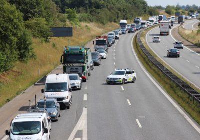 Politiker Jens Rohdes bil ramt af genstand på Vestmotorvejen